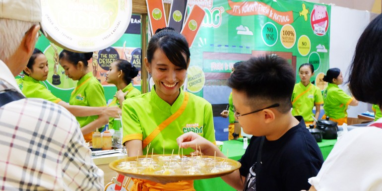 Madame Chang at Headquarters Market Event: Everyone Loves Yummy and Healthy Food!